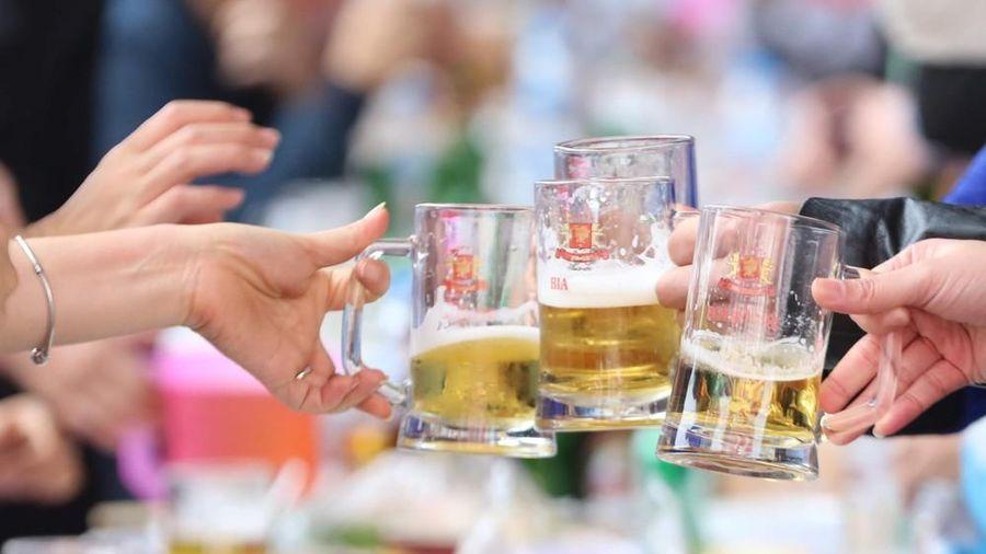 Quên 'nhắc nhở' uống rượu bia trong giờ làm, lãnh đạo bị phạt đến 5 triệu đồng
