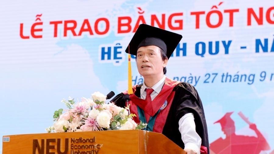 Hiệu trưởng ĐH Kinh tế Quốc dân mong sinh viên biết 'vượt khó'