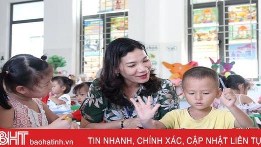 Nữ hiệu trưởng chuyên kiến tạo 'thương hiệu' cho những trường làng ở Hà Tĩnh