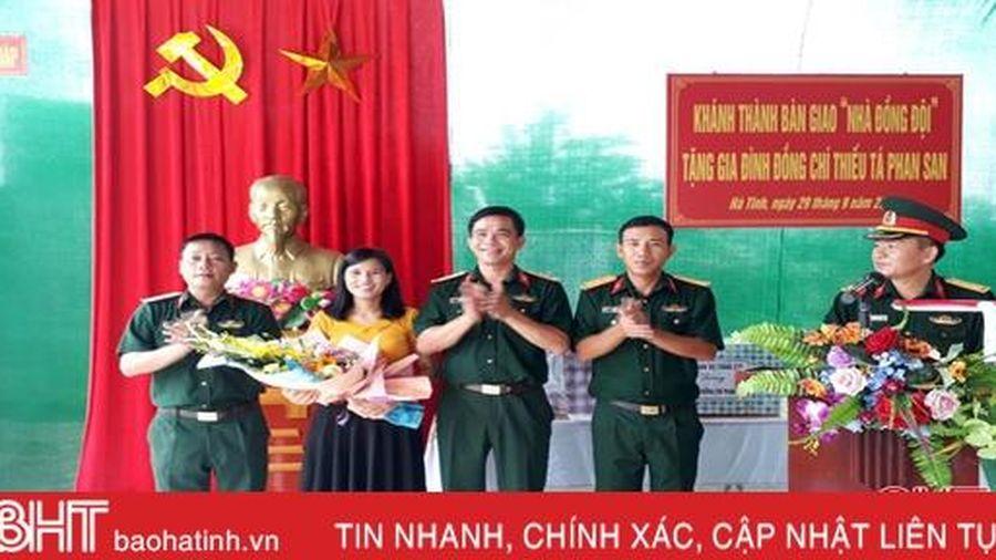 Bàn giao nhà đồng đội cho quân nhân hoàn cảnh khó khăn tại Can Lộc