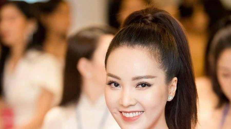 Á hậu Thụy Vân chia sẻ về những áp lực khi lần đầu ngồi 'ghế nóng' của Hoa hậu Việt Nam