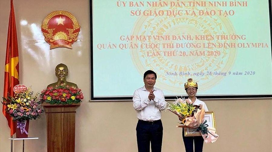 Ninh Bình vinh danh, khen thưởng Quán quân 'Đường lên đỉnh Olympia' năm thứ 20 Nguyễn Thị Thu Hằng