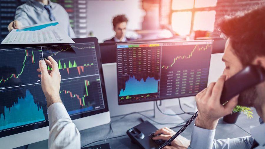 Quỹ ngoại chốt lời ở một số cổ phiếu và bắt đầu giải ngân vào cơ hội mới