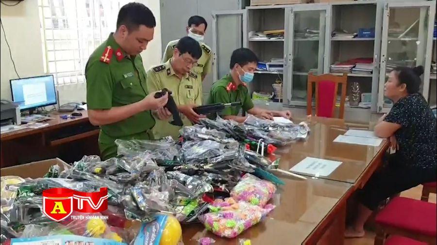 Hà Nội: Thu giữ lượng lớn đồ chơi bạo lực, nguy hiểm