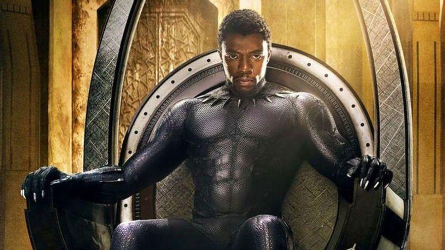 Lần đầu Chadwick Boseman thử trang phục Black Panther