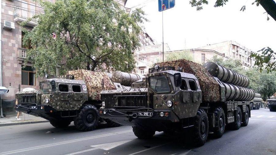 Azerbaijan tuyên bố phá hủy tên lửa S-300 của Armenia