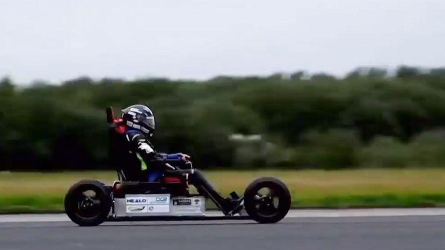 Xe lăn chạy điện nhanh nhất thế giới