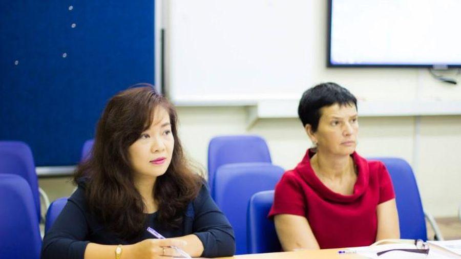 Tiến sĩ Võ Hương Quỳnh: 'Không đánh đổi giá trị bản thân cho giới luật hay danh hiệu phù phiếm'