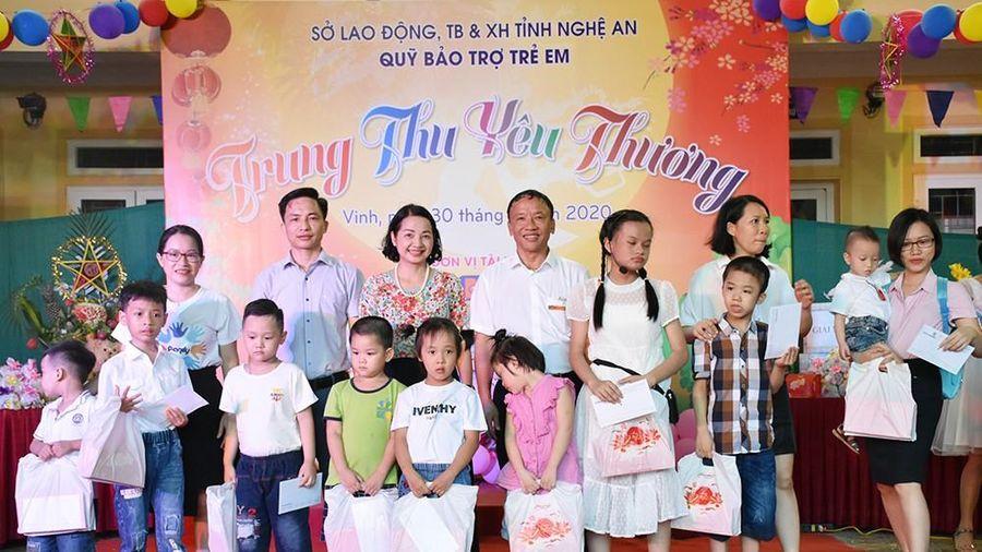 Ấm áp chương trình 'Trung thu yêu thương' ở Quỹ Bảo trợ trẻ em tỉnh
