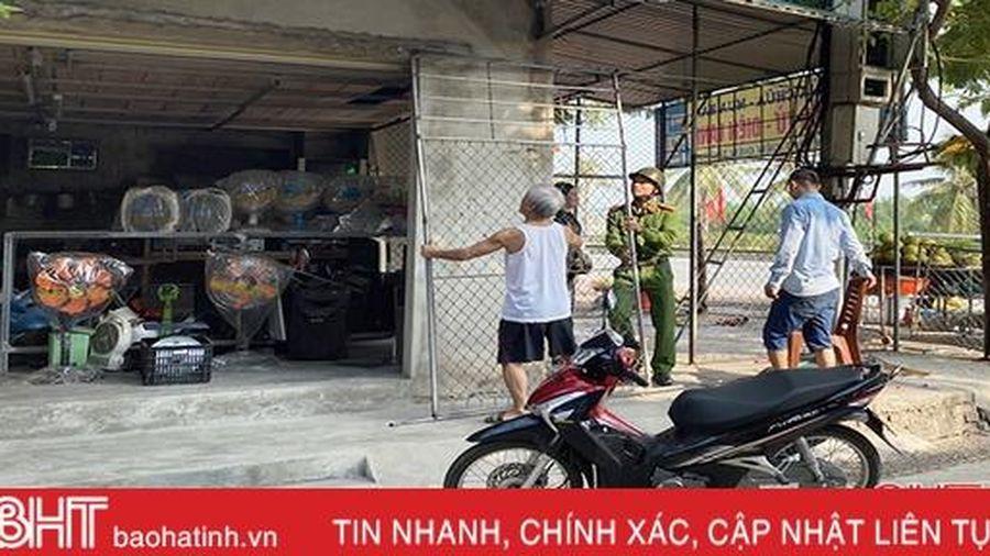 Thiếu xe chuyên dụng, quản lý trật tự đô thị ở Thạch Hà có khi phải nhờ dân... chở giúp 'đồ' vi phạm!