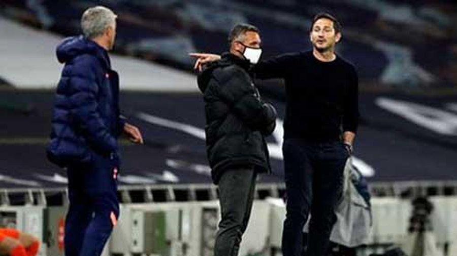 Lampard giải thích nguyên nhân cãi nhau với Mourinho