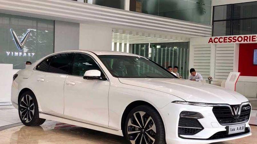 XE HOT (30/9): Giá lăn bánh xe VinFast Lux A2.0, 10 ôtô Honda tốt nhất năm 2020