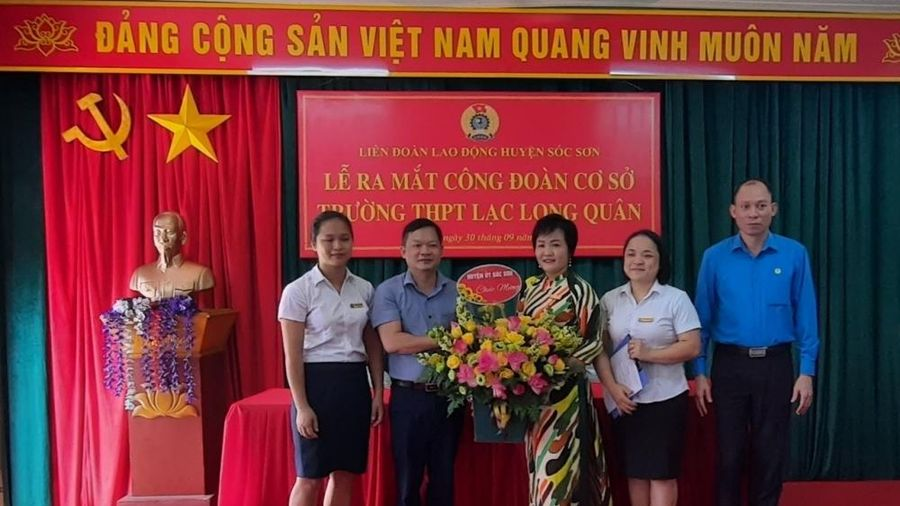 Ra mắt công đoàn cơ sở Trường Trung học phổ thông Lạc Long Quân