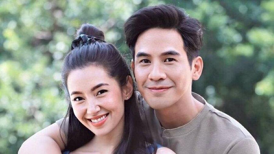 Cặp đôi 'Ngược dòng thời gian' Pope Thanawat - Bella Ranee trở lại trong phim mới 'Sập bẫy tình yêu'