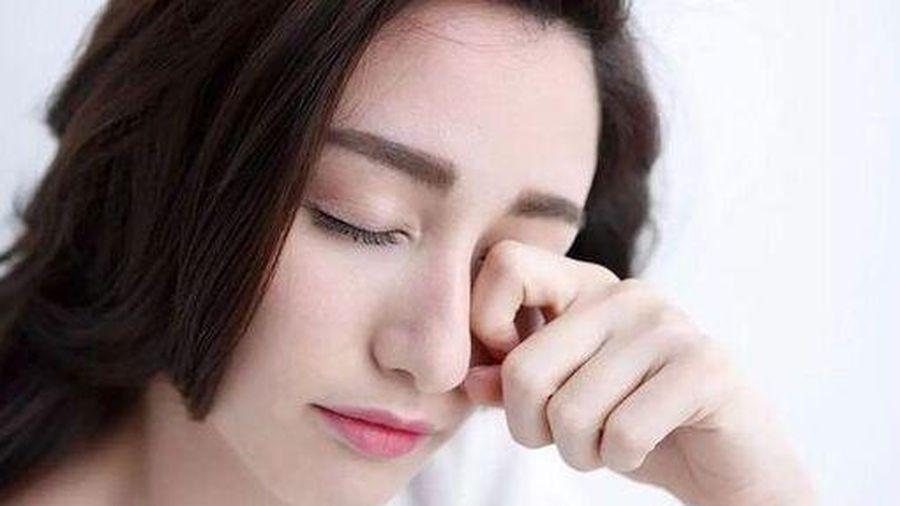 Những thói quen hàng ngày 'hủy hoại' đôi mắt mà bạn ít để ý