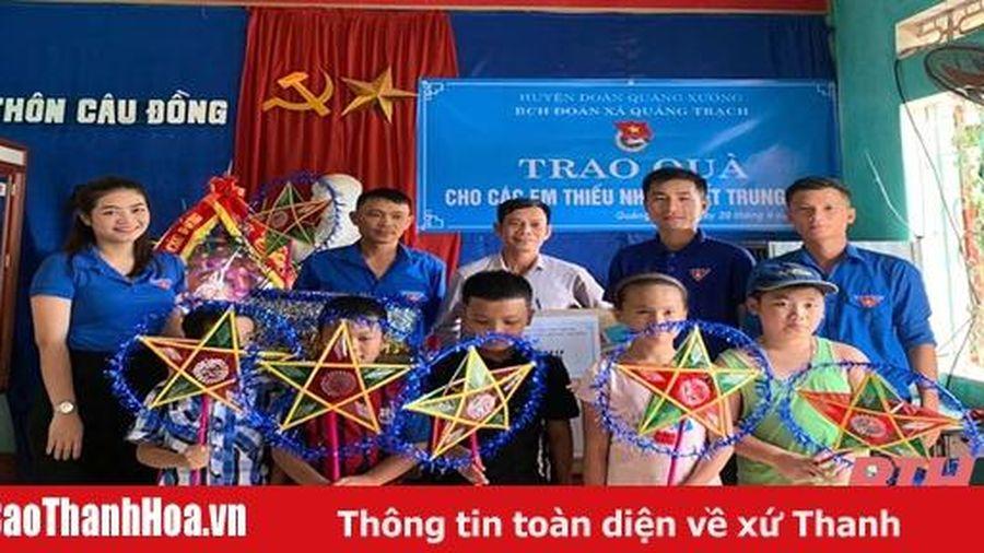 Nhiều hoạt động thiết thực của tuổi trẻ Quảng Xương nhân dịp Tết Trung thu
