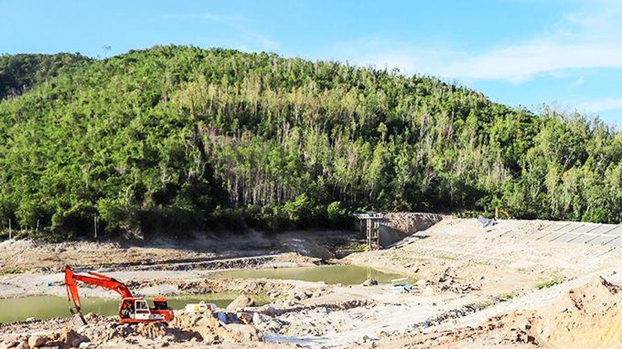 Xây dựng trong hành lang bảo vệ công trình hồ chứa nước Đồng Bò: Cần xử lý dứt điểm