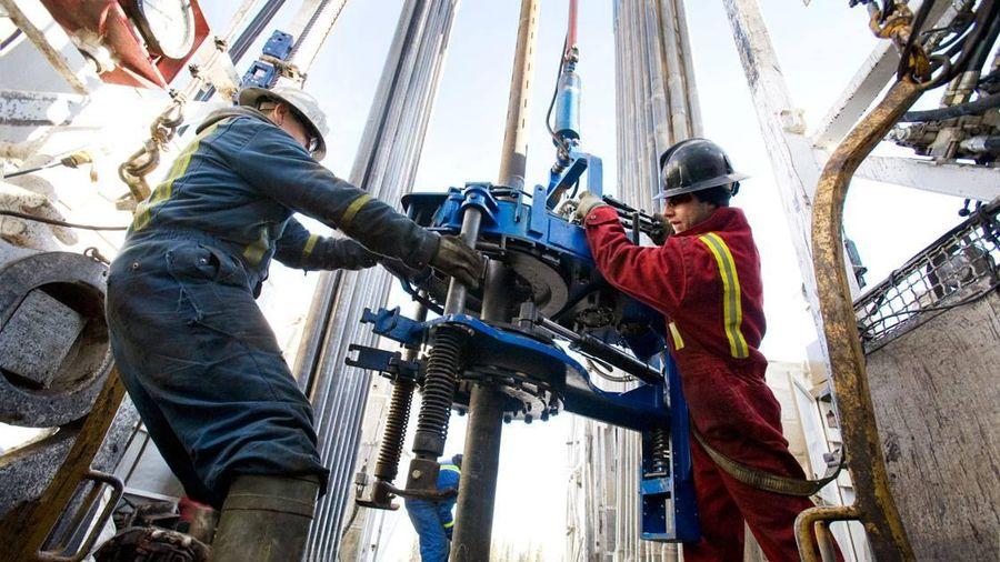 Giá dầu thô tiếp tục giảm ngày thứ 2 liên tiếp, mất mốc 40 USD/thùng