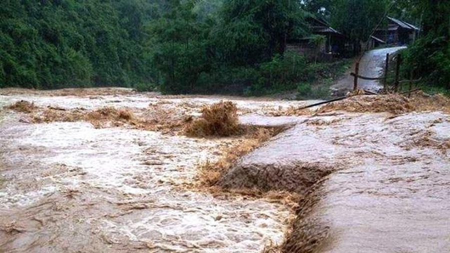 Thời tiết 1/10: Nguy cơ sạt lở đất ở các tỉnh miền núi Bắc Bộ và Trung Bộ