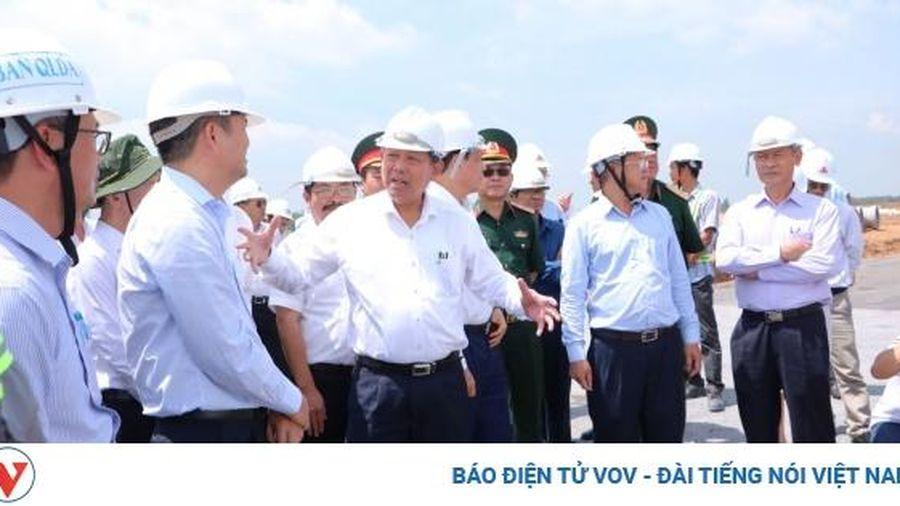 Phó Thủ tướng Trương Hòa Bình kiểm tra tiến độ dự án sân bay Long Thành