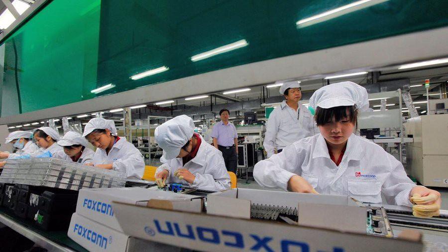 Công nhân Foxconn làm hết công suất, nhận thưởng hậu hĩnh để sản xuất iPhone 12