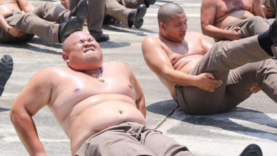 Cảnh sát béo phì ở Thái Lan phải vào trại 'Tiêu diệt mỡ bụng'