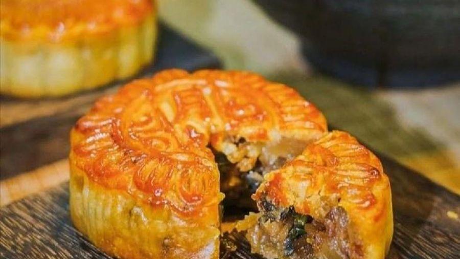Bánh Trung Thu nhân bún ốc hút khách ở Trung Quốc