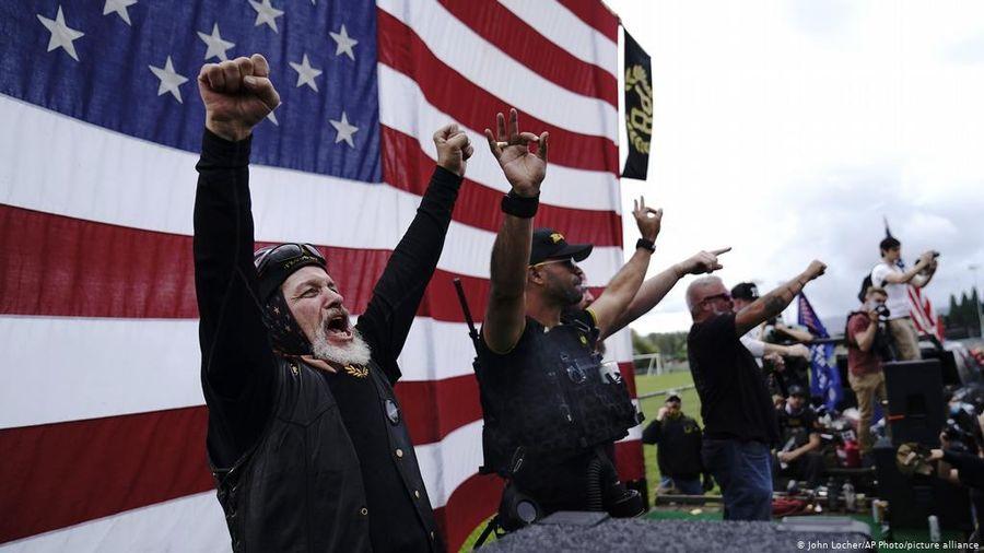 'Những chàng trai tự hào' - nhóm cực hữu làm nóng tranh luận bầu cử Mỹ