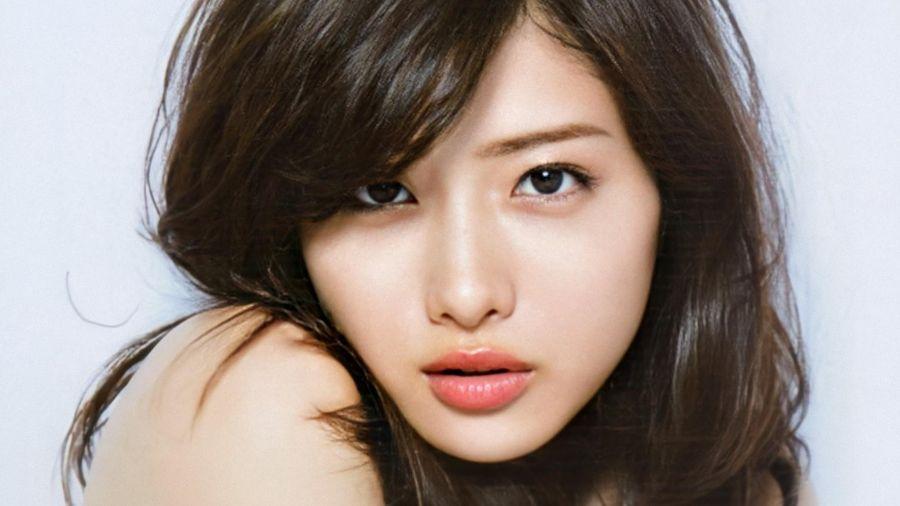 Biểu tượng sắc đẹp Nhật Bản Ishihara Satomi kết hôn