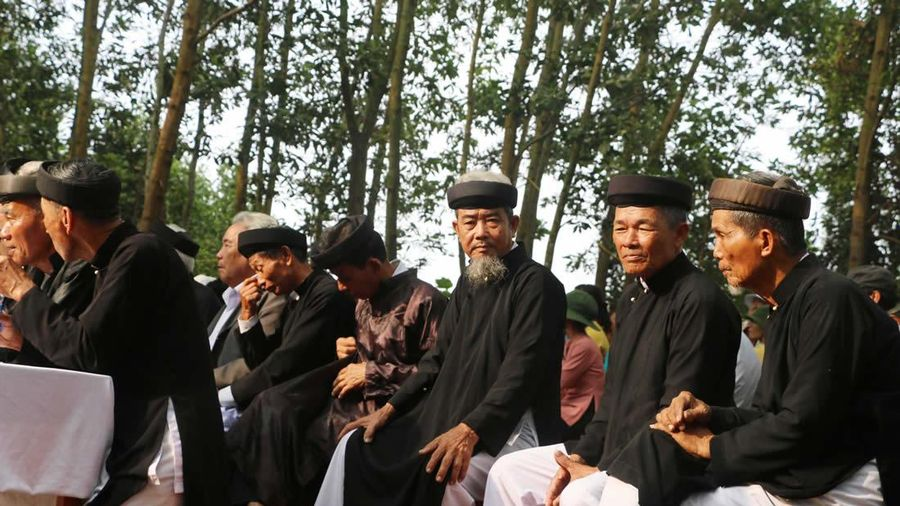 Kỷ niệm Ngày quốc tế Người cao tuổi (1-10): Người cao tuổi gìn giữ nếp làng