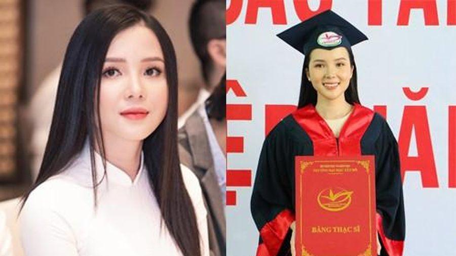 Người đẹp Huỳnh Thúy Vi nhận bằng thạc sĩ, chuẩn bị làm giảng viên Đại học