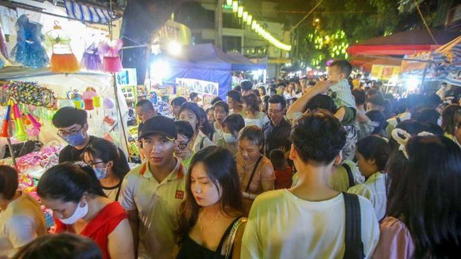 Không khí Trung thu ngập khắp phố phường Hà Nội