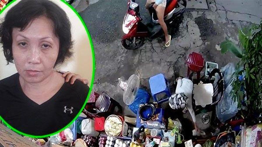 Chân tướng người phụ nữ xúi con trộm tiền của bà cụ bán cà phê vỉa hè