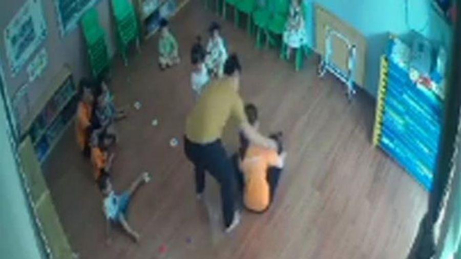 Làm rõ trách nhiệm trong vụ phụ huynh vào lớp học đánh bé mầm non
