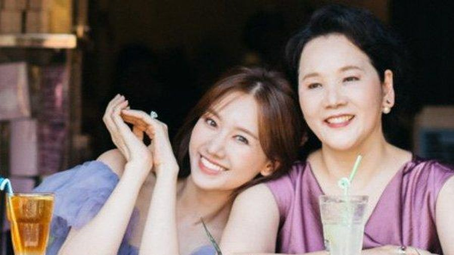 Hari Won: 'Lúc tôi cưới mẹ nói thẳng luôn là: Mai mốt đẻ con đừng có nhờ mẹ nuôi'