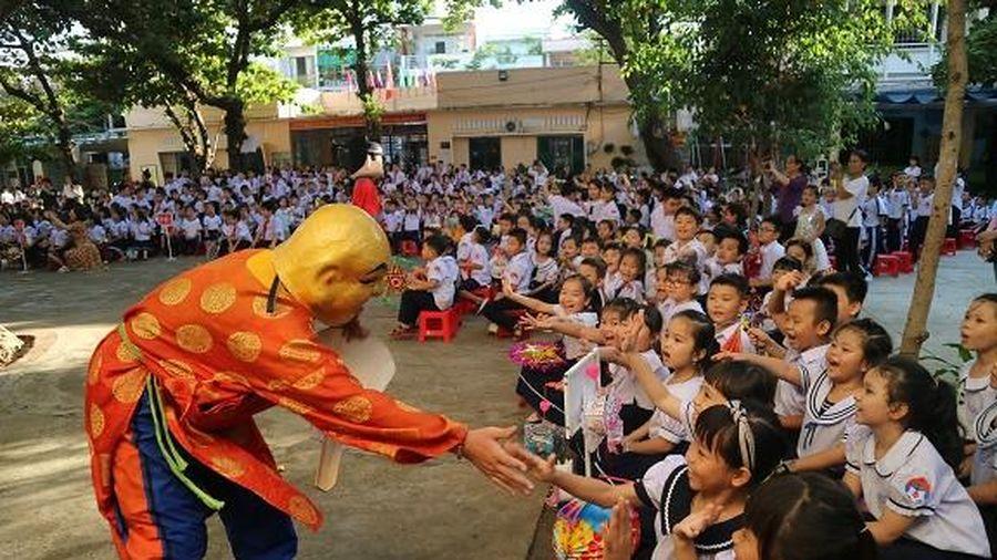 Trường Tiểu học Tân Lập 2 tổ chức vui hội trăng rằm