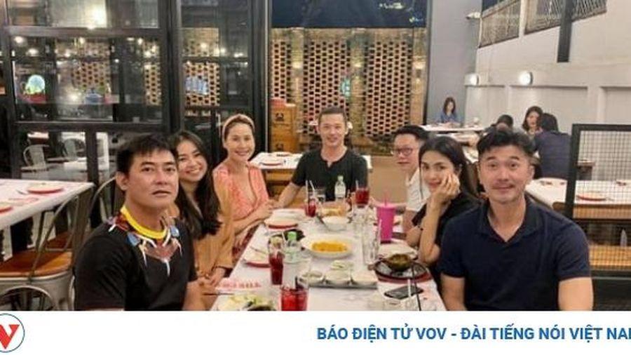 Chuyện showbiz: Tăng Thanh Hà 'trốn con' hẹn hò riêng cùng hội bạn thân