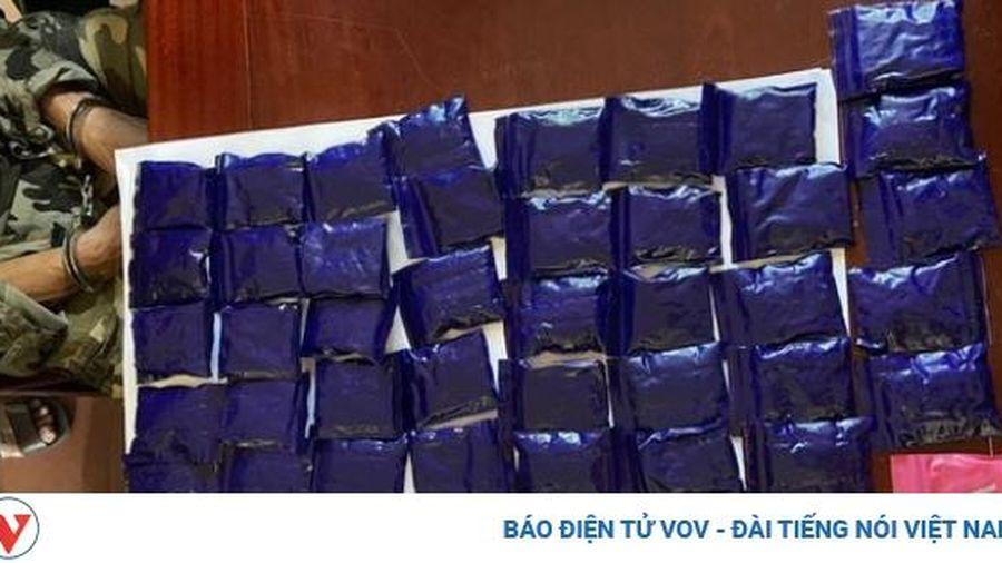 Khống chế 'ông trùm' thu giữ 10.000 viên ma túy tổng hợp, 3 bánh heroin