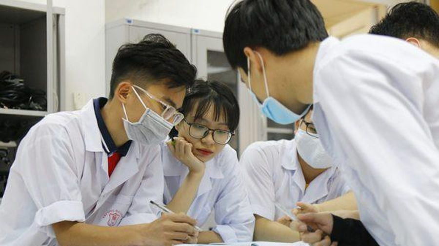 Sinh viên ĐH Y Hà Nội sẵn sàng lên đường chăm sóc sức khỏe nhân dân sau mưa lũ