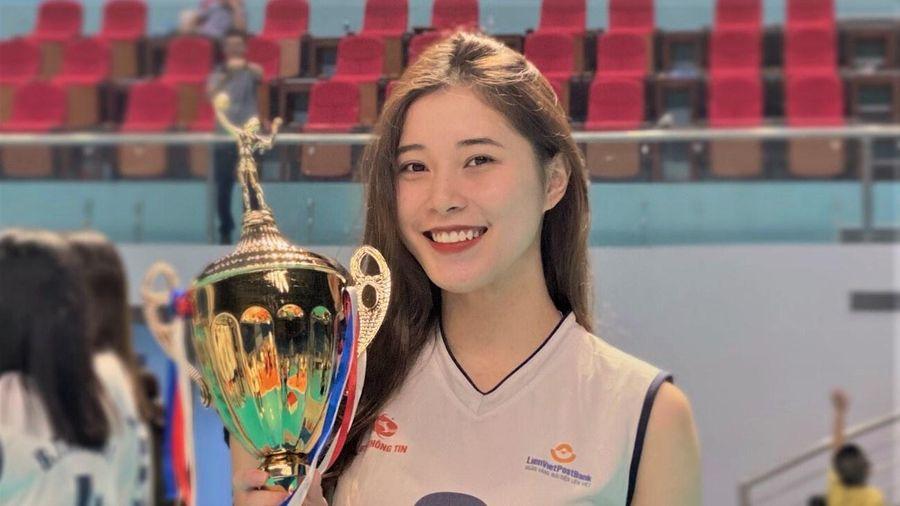 Lời tạm biệt tuổi 18 ngọt ngào của hoa khôi bóng chuyền Thu Huyền
