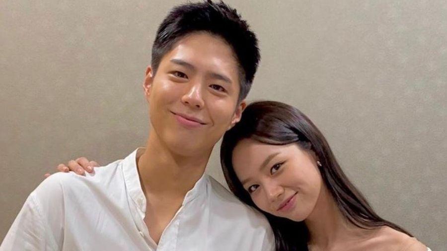 Hyeri đăng ảnh với Park Bo Gum