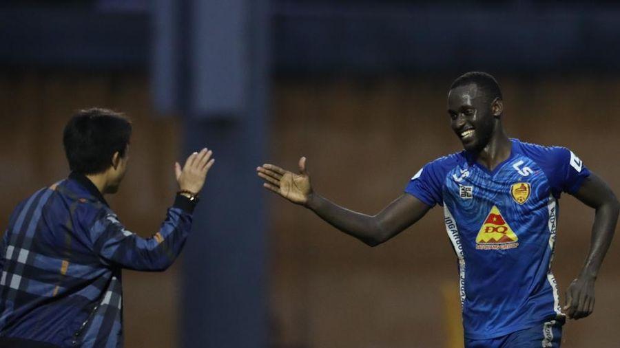 Vòng 3 giai đoạn 2 V-League 2020: Quảng Nam tìm được niềm vui trước Nam Định, Thanh Hóa thua dễ Hải Phòng