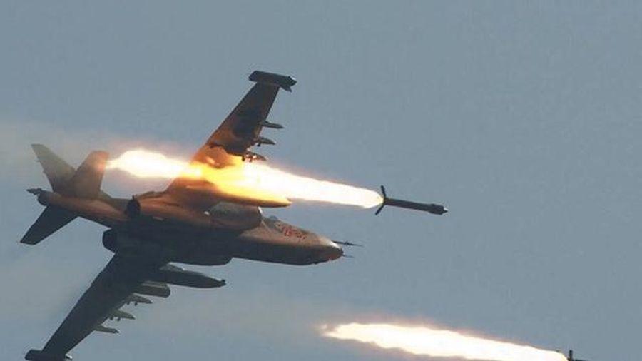 Chiến đấu cơ Nga 'thổi bay' đoàn xe của quân thánh chiến