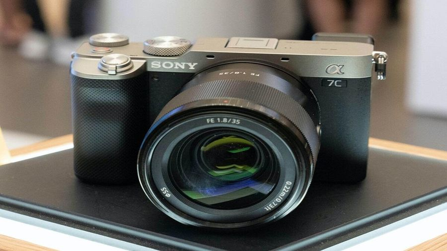 Sony trình làng máy ảnh siêu nhỏ gọn Alpha 7C