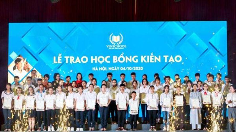 68 học sinh nghèo nhận học bổng Kiến tạo của Vinschool