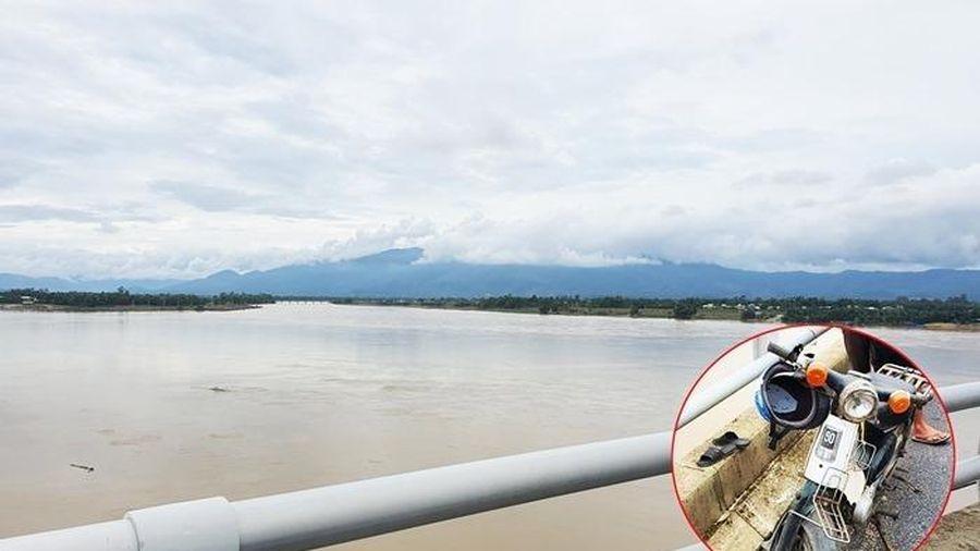 Quảng Nam: Tìm thấy thi thể người đàn ông để xe máy trên cầu Giao Thủy