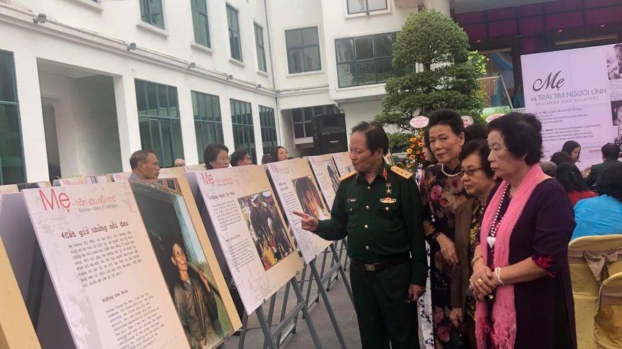 Đại tá Trần Hồng kể chuyện các Mẹ Việt Nam qua ống kính nhiếp ảnh