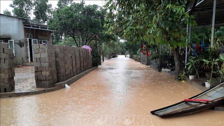 Lũ xuống, nhiều xã miền núi Quảng Trị vẫn bị cô lập hoàn toàn