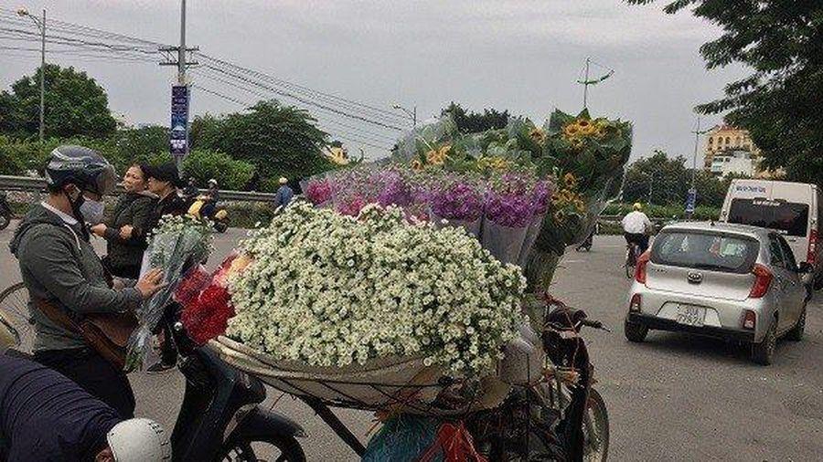 Những đóa hoa tươi 'nở rộ' giữa ngày 20/10