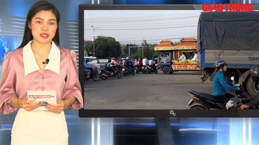 Video TNGT ngày 20/10: Va chạm với xe tải, nữ sinh lớp 7 tử vong thương tâm